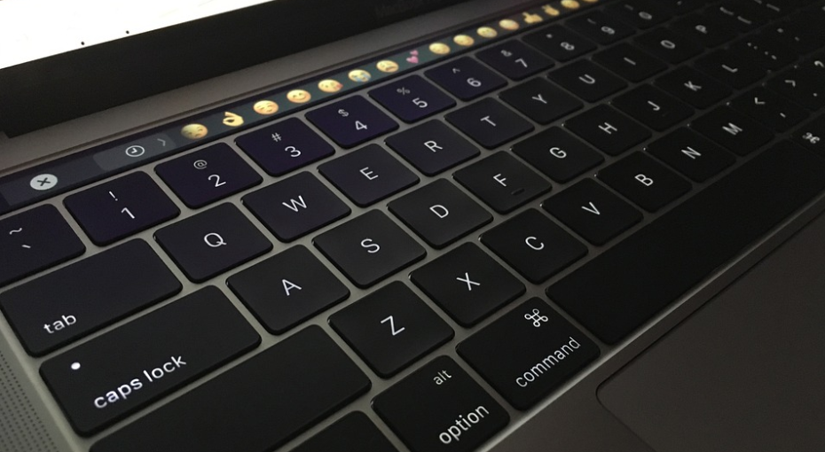 macbook lawsuit keyboard petition